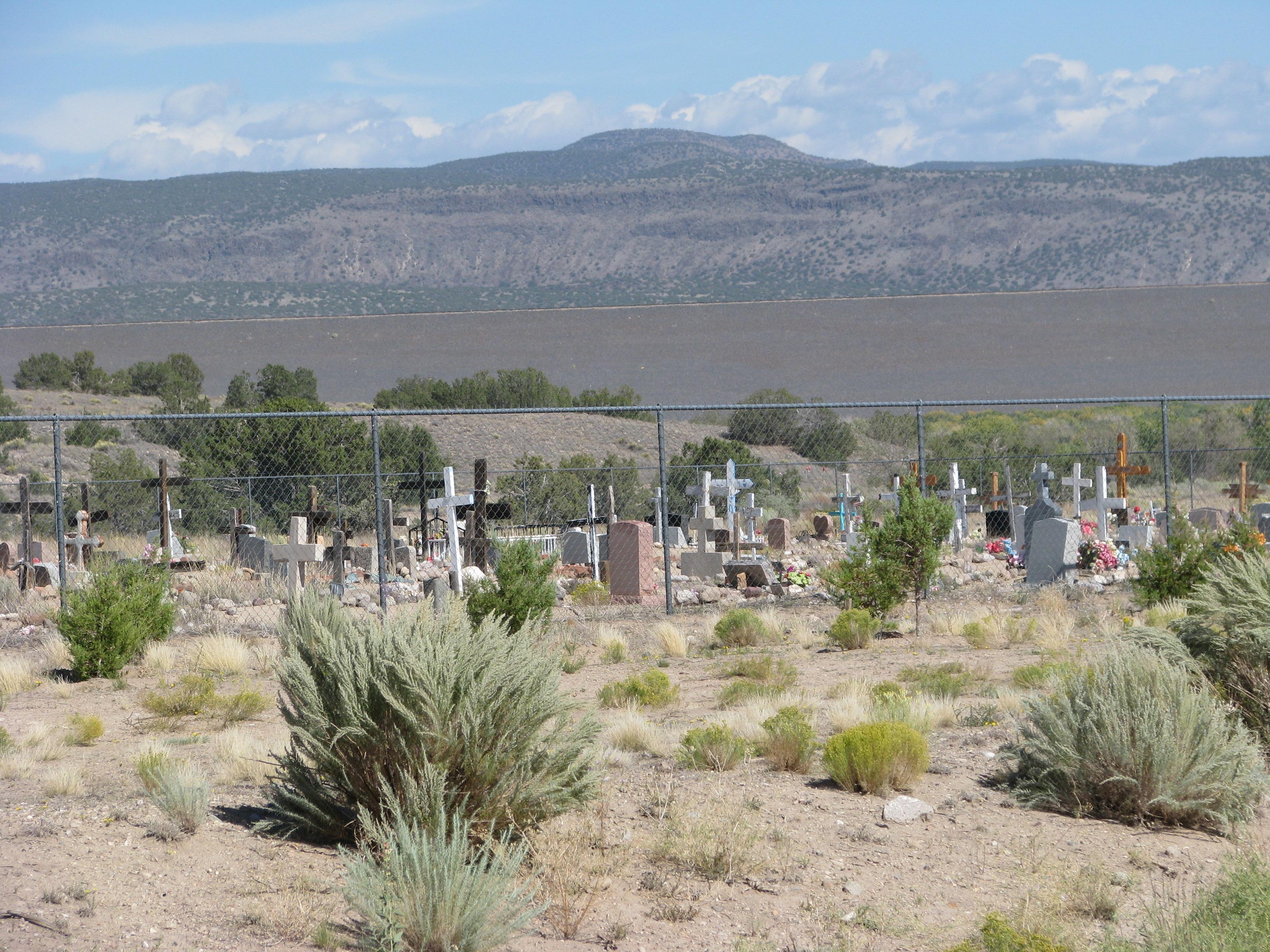 בית קברות בדרך לטאוס, ניו מקסיקו