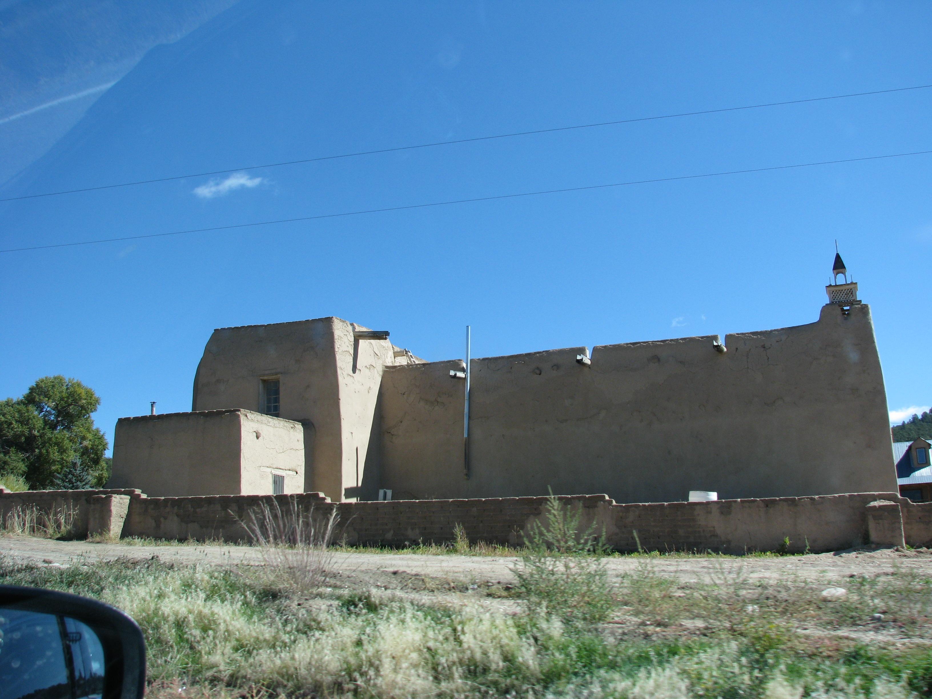 בתי פואבלו בדרך לטאוס, ניו מקסיקו
