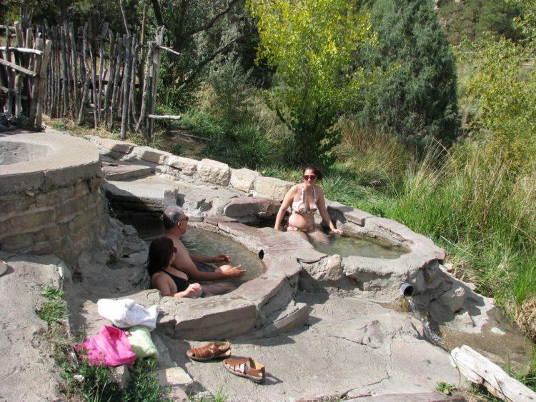 מעיינות חמים במונטזומה ניו מקסיקו | Montezuma Hot Springs