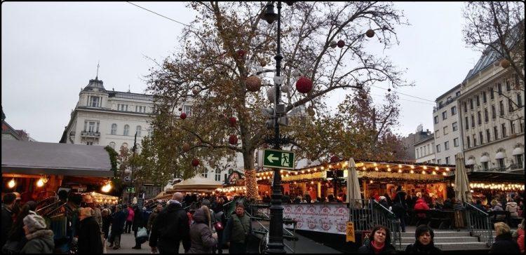 בודפשט - כיכר וורוסמרטי | Budapest - Vorosmarty ter