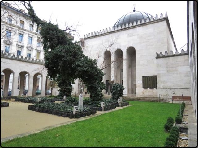 Busapest - Dohány utcai Zsinagóga -Winter sinagoge | בודפשט - בית כנסת חורף