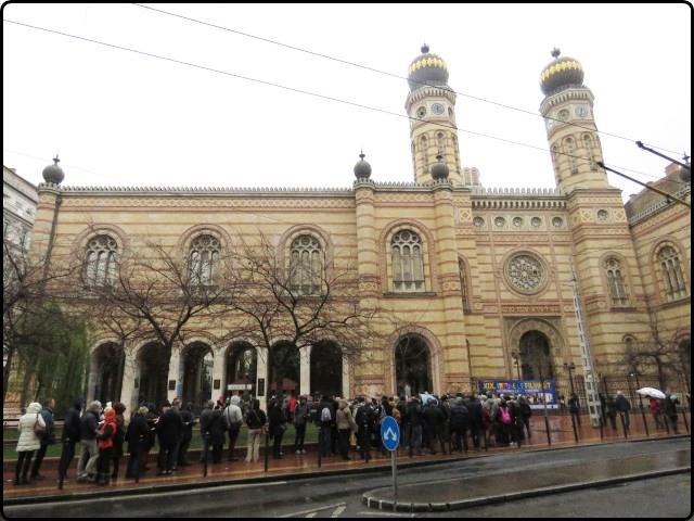Busapest - Dohány utcai Zsinagóga - outside | בודפשט - בית הכנסת ברחוב הטבק