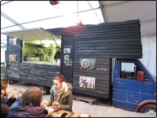 Budapest - Street Food Karavan Budapest | בודפשט - אוכל רחוב ליד זימפלה קרט