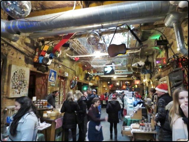 Budapest - Szimpla Kert market | בודפשט - שוק האיכרים זימפלה קרט