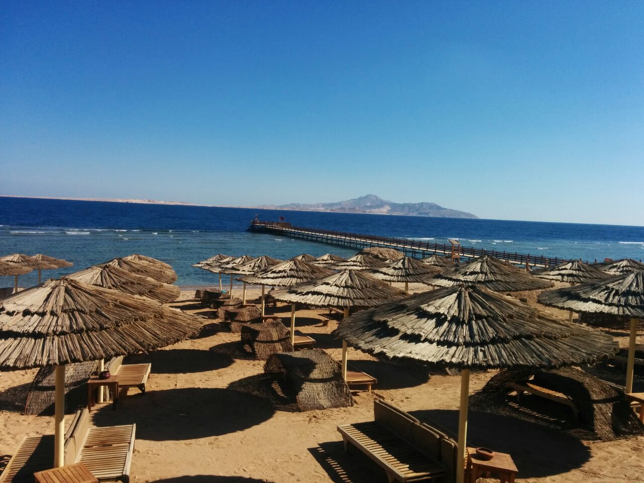 Sinai - beach with seating - Photo by Idov Torn