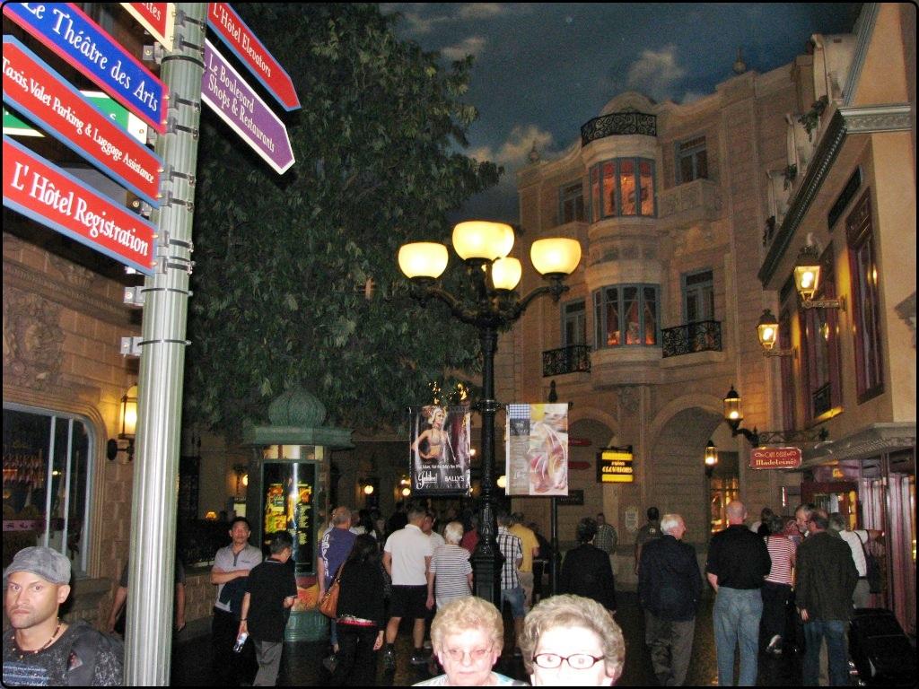לאס וגאס - מלון פריז - רחוב פריזאי בתוך המלון 2