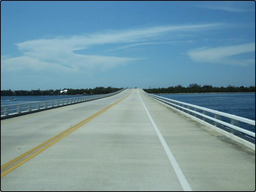 פלורידה בדרך לסנט פיטסבורג Florida Sunshine skyway Bridge