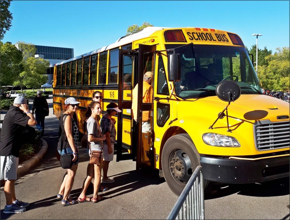 עם האוטובוס הצהוב אל מתחם האופנועים - פסטיבל אופנועים באלבמה
