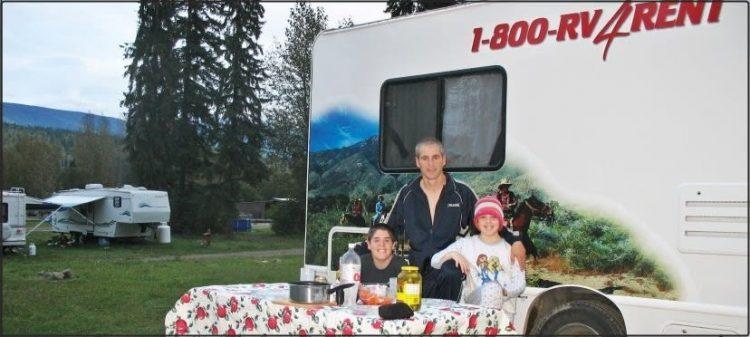 משפחה בקרוואן: הטיפים והחוויות של משפחת ליפשיץ - אושרה קמחי | על המזוודות