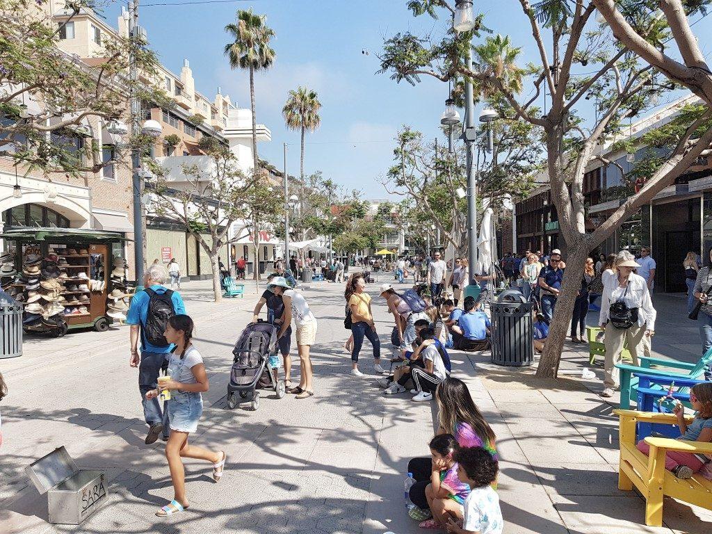אושרה קמחי - על המזוודות. סנטה מוניקה טיפים - טיילת הרחוב השלישי Santa Monica