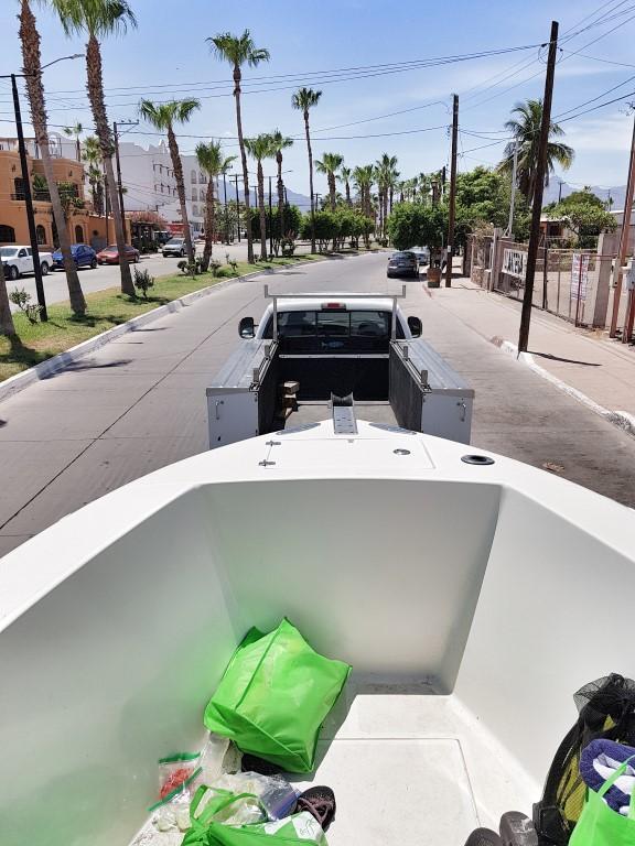 על המזוודות - חופשה משפחתית במקסיקו - דייג עם ילדים Baja California Sur